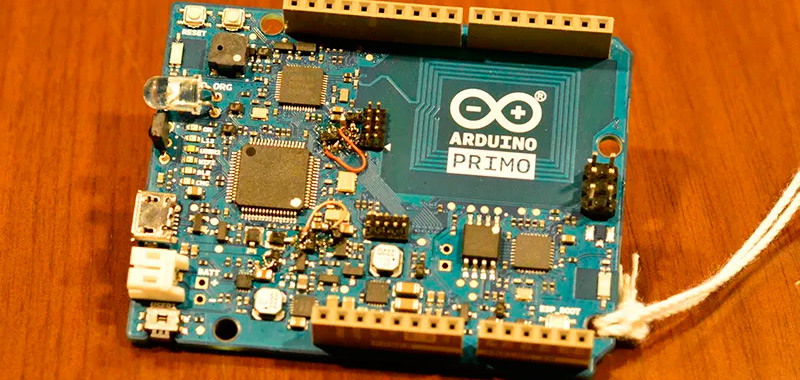 What are the special features of Arduino Primo development boards?